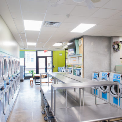 5 Reasons to Consider Starting a Laundromat Business