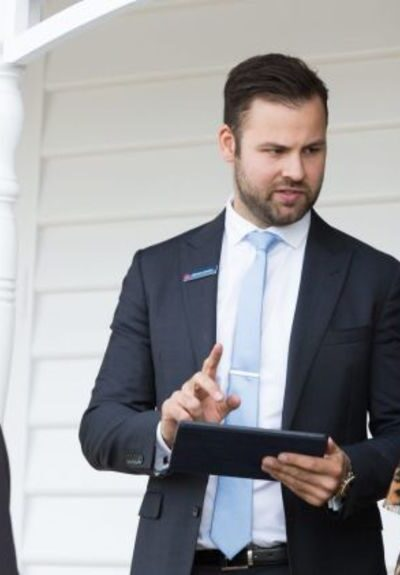 Things you should never say in front of your real estate agent