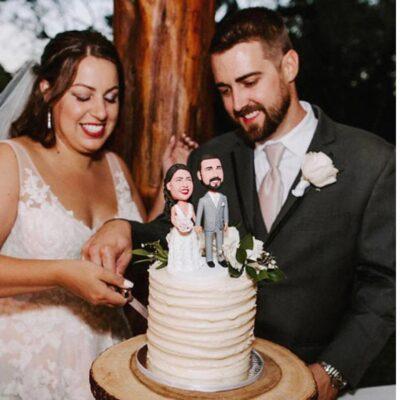 TIPS FOR CHOOSING THE RIGHT WEDDING CAKE TOPPER BOBBLEHEAD